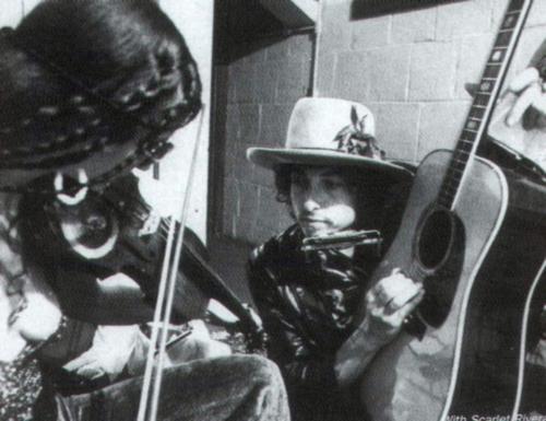 Bob Dylan con Scarlet Rivera